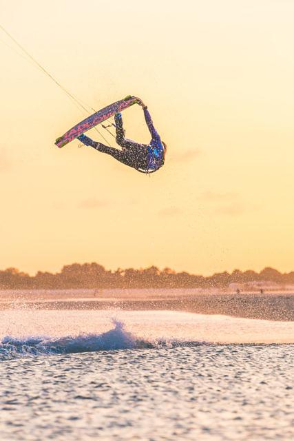 Sander Bos kitesurfing