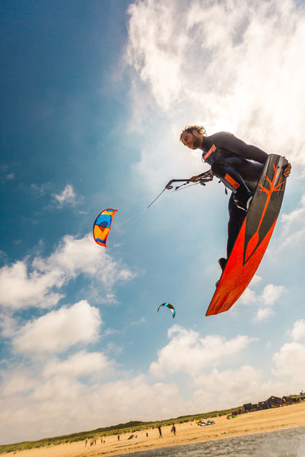 Toine kitesurfing at the Zandmotor