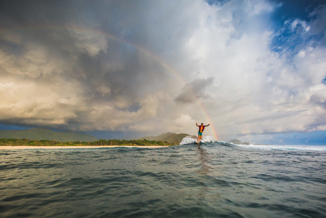 Sumbawa, Tropicals beach surfing