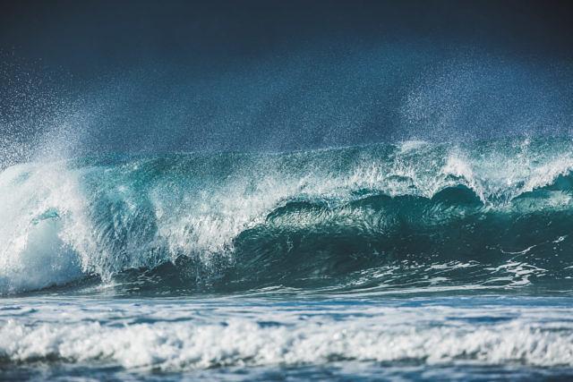 Sumbawa, Yoyo beach waves