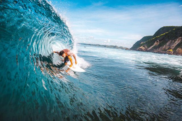 Gerupuk surfing