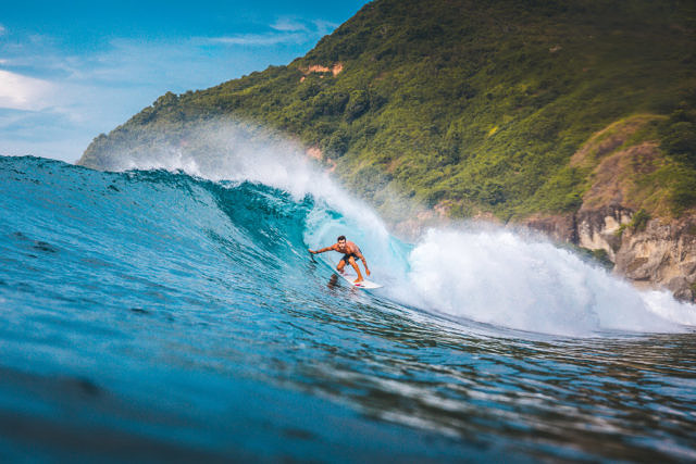 Are Goling, Lombok surfing