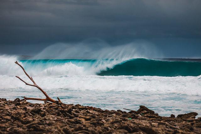 Waves at baby beach