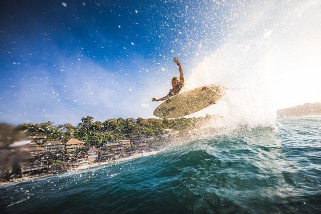 Bingin surfing