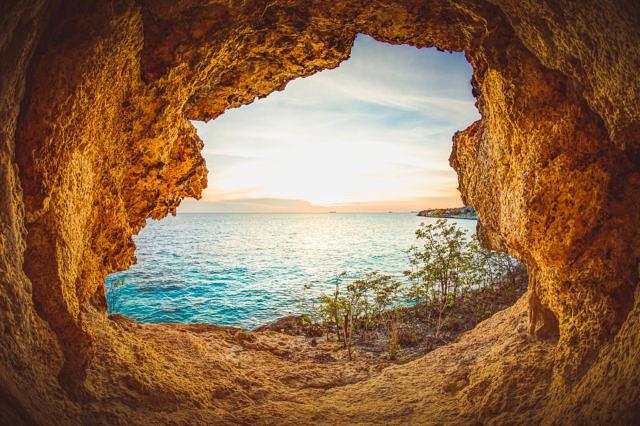 Bonaire cave.