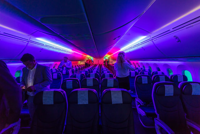 First Dutch 787 Dreamliner TUI Schiphol