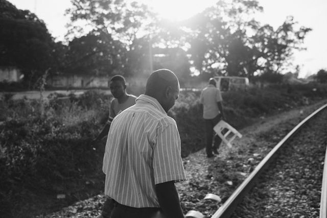 Kenya - Mombasa, the walk back after work