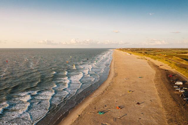 Domburg kitesurfing drone shot